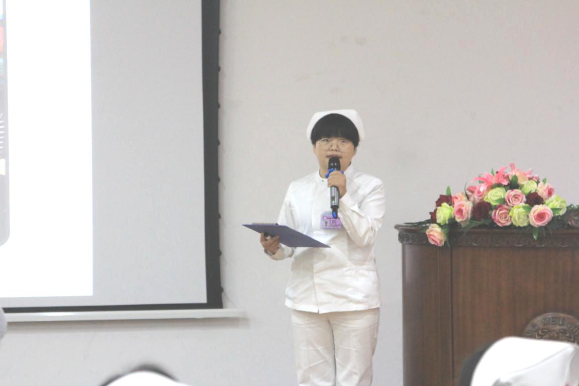 儿童肾病科护士谢京玉演讲